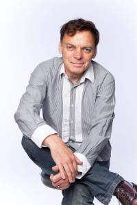 Graeme Simsion      (Photographed by James Penlidis)
